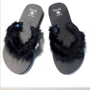 Omg soo cute ....Furry Flip Flops🖤